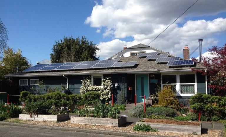 Willie Weir solar panels on house