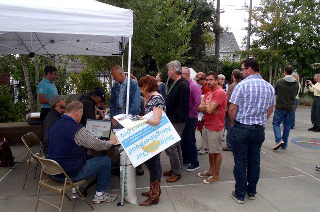 participants Sign up for site assessments at Solarize Southwest workshop